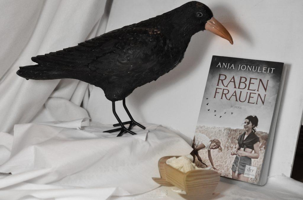 Das Buch Rabenfrauen über eine Rabenschwarze Sekte