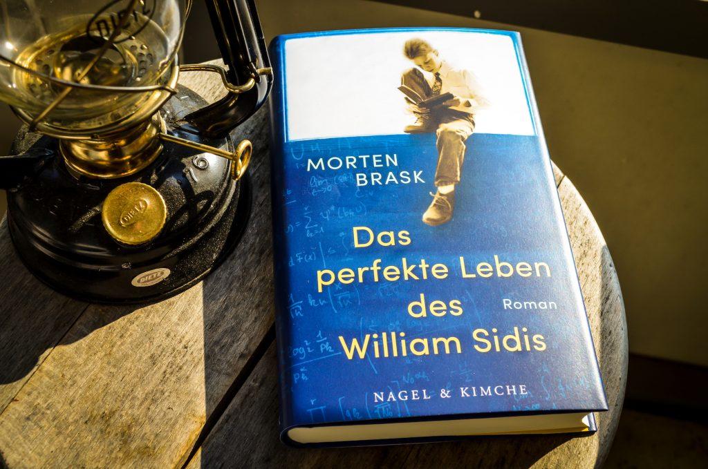 Wiliam Sidis liest
