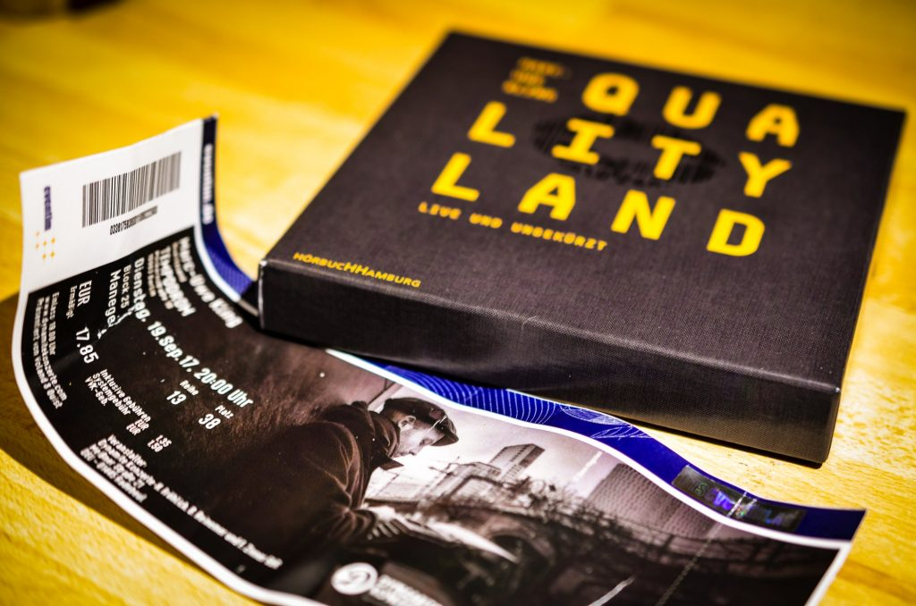 Rezension zur Lesung Qualityländ mit Marc-Uwe Kling