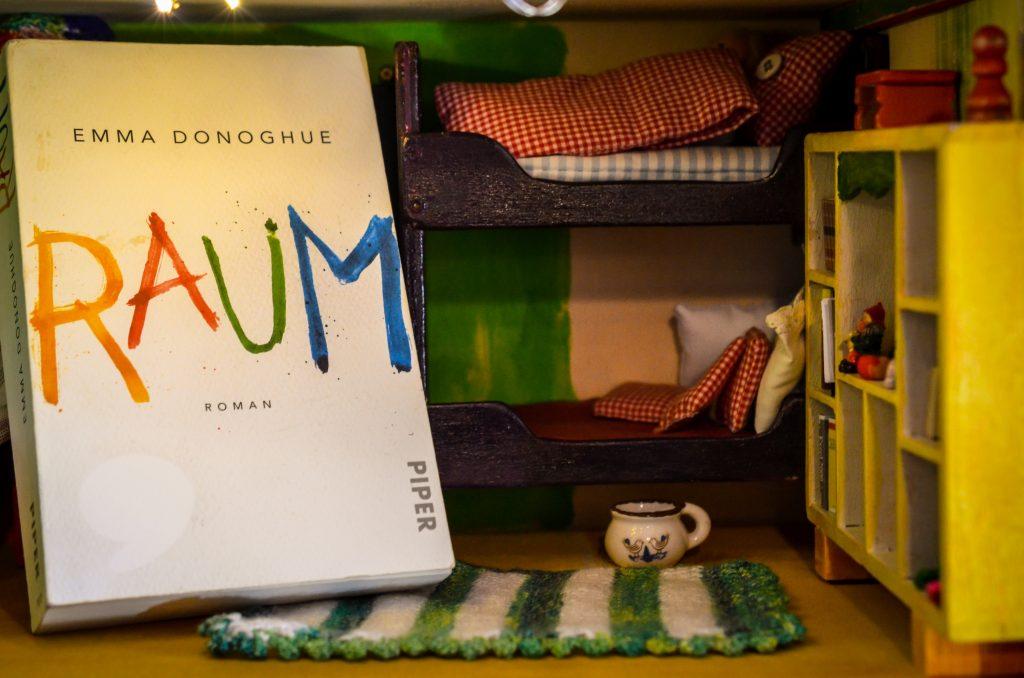 Raum von Emma Donoghue auf www.nixzulesen.de